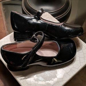Little girl heeled dress shoes